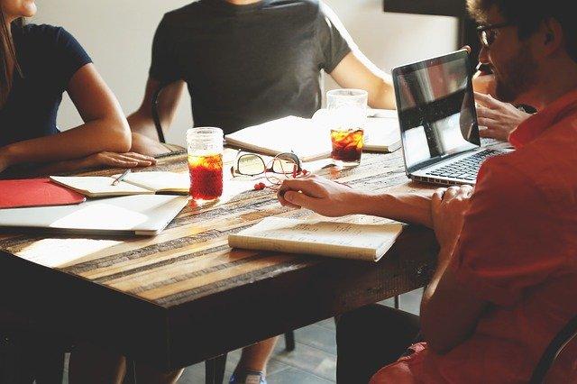 Entreprise : 3 avantages à considérer pour recourir au télésecrétariat